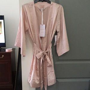 Homebodii Blush Silky Robe